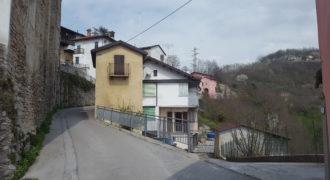 Bastia Mondovì, casa semi indipendente
