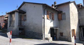 Appartamento in vendita a Sale Langhe