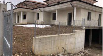 Carru', casa semindipendente in vendita