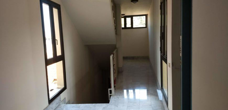 Appartamento Via Rinchiuso con graziosa vista sulla collina di Piazza